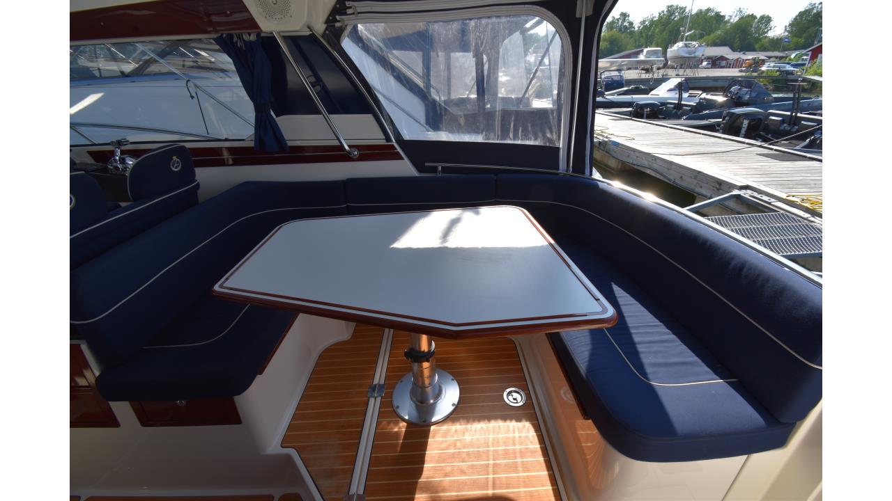 Aquador 28 HT 2010