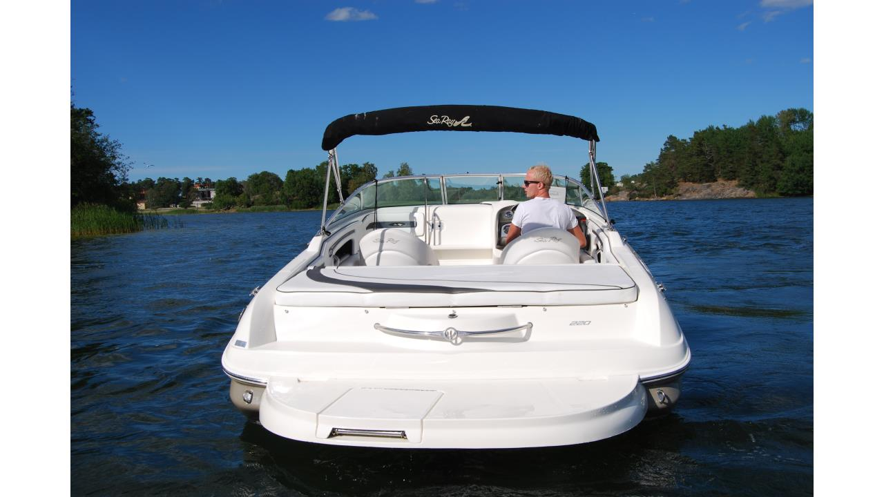 Sea Ray 220 SSE 2006