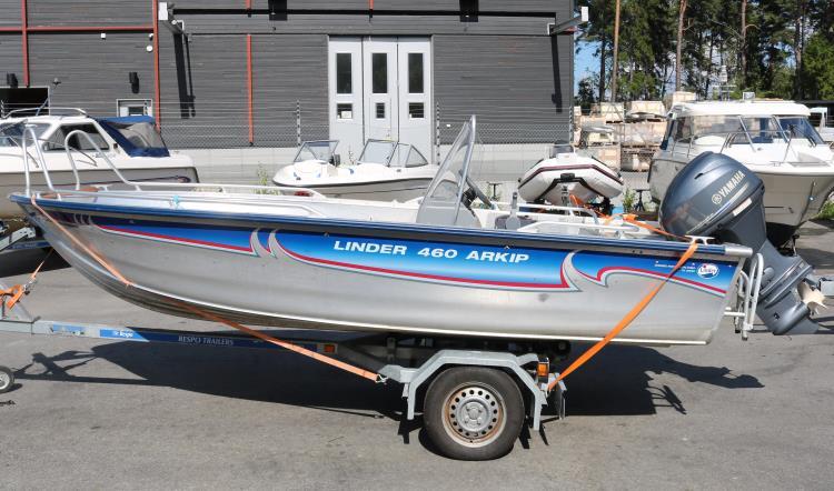 Linder 460 Arkip (2011)